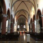 La bellissima navata centrale della Chiesa di Santa Maria del Carmine